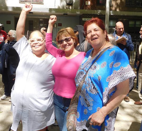 Fulton Houses Tenants Organize Amid City's Desire for Demolition, Development